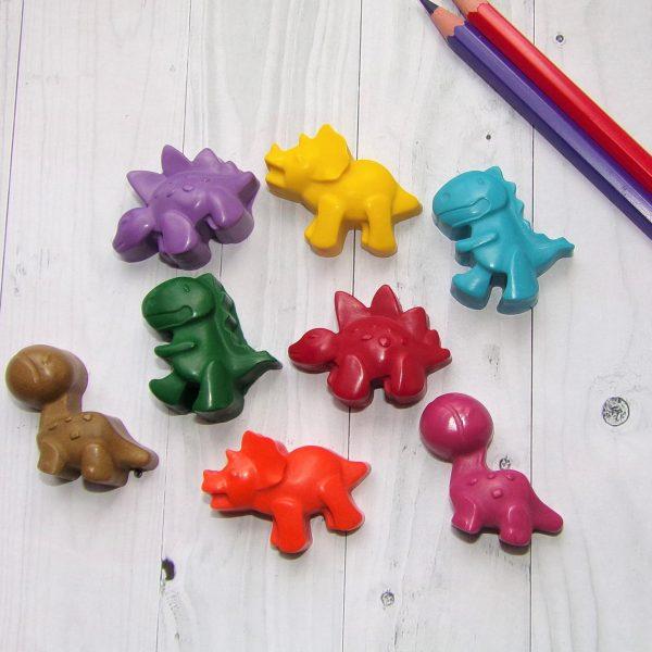 Dinosaur crayon set cheap party bag gift ideas