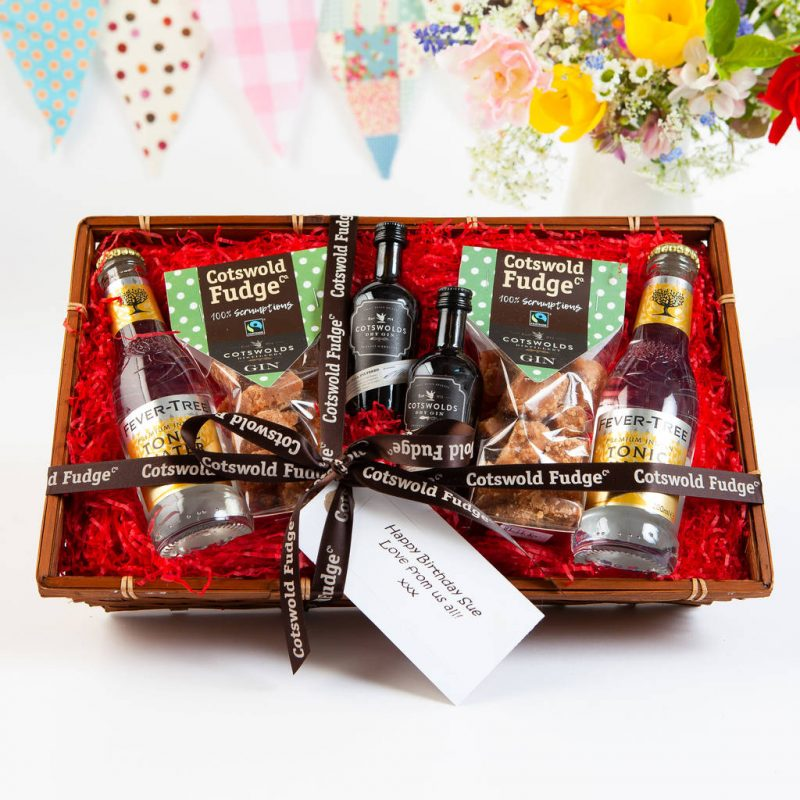 Gin gift hamper for a couple
