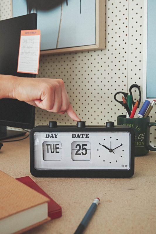 Retro Flip Clock Typo