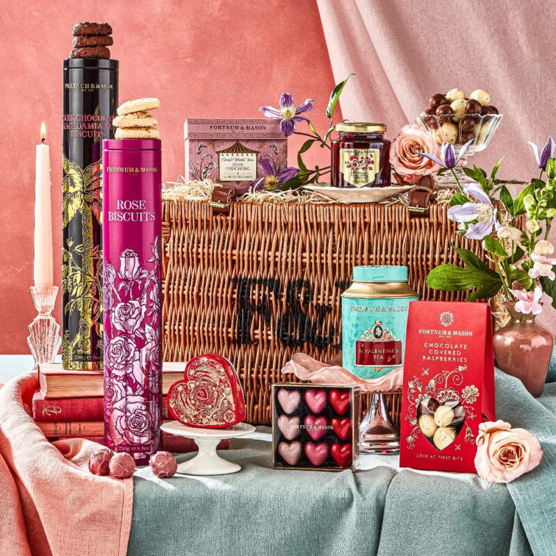 Hamper luxe valentine's day gift ideas for her