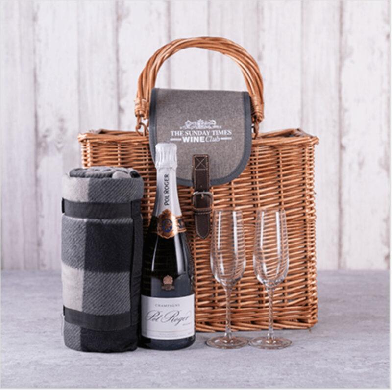Pinic basket set for champagne lovers